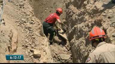 Homem morre em deslizamento de terra em obra de saneamento no sertão da PB - Outro homem ficou ferido nesse acidente em São José da Lagoa Tapada.