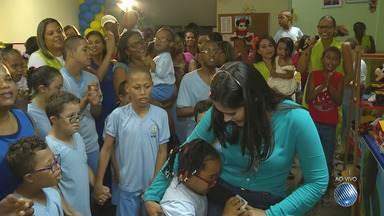 BMD Solidário: Apae Salvador completa 49 anos - Festa com as crianças atendidas no local está sendo realizada nesta terça-feira (3) para comemorar a data.