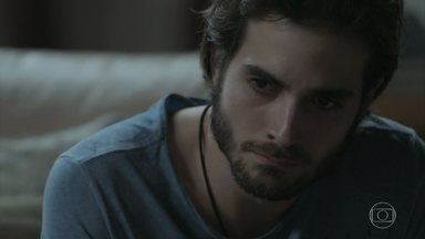 Ruy se incomoda ao saber que Ritinha foi visitar Zeca - Eugênio teme que a nora prejudique a defesa de seu filho