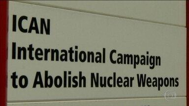 Nobel da Paz vai para campanha pelo fim das armas nucleares - A Campanha Internacional Para Abolição das Armas Nucleares está presente em 101 países.