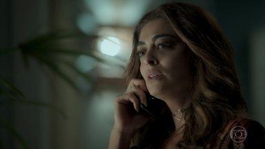 Bibi conta para Alessia que pegou Carine no flagra - Alessia diz à amiga que traficante só é fiel quando está na cadeia