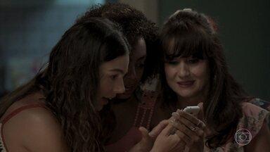 Marilda fala com Ritinha sobre o sucesso de seu vídeo - Edinalva incentiva a filha a procurar um juiz para garantir visita a Ruyzinho