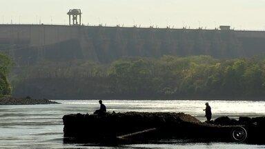 Seca atinge reservatórios de hidrelétricas da região noroeste paulista - A região vai precisar de muita chuva para poder encher novamente os reservatórios das hidrelétricas. Em alguns deles, a situação é ainda pior que há dois anos, quando praticamente atingiram o volume morto.