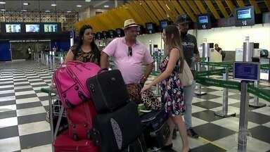 Apesar de promessa de queda, preço das passagens aéreas subiu - De julho a setembro, passagens ficaram 9,37% mais caras, segundo IBGE. Associação disse que haveria redução no preço com a cobrança de malas.