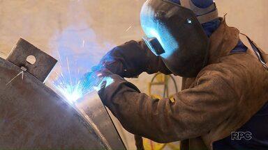 Indústria do Paraná é que mais cresce no país em 2017 - Em agosto a indústria do estado cresceu 8,8%