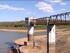 Nível do reservatório de água da Copasa em Juramento ainda continua crítico - Nível é o mais baixo durante toda a história.