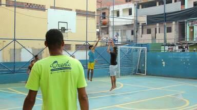 Esporte transforma vidas na comunidade do Calabar - Comunidade é uma das mais carentes de Salvador.