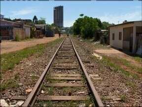 MPF cobra na justiça o fim das comunidades Beira Trilhos em Passo Fundo, RS - Famílias vivem às margens da ferrovia em Passo Fundo, RS