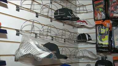 Mais uma loja é roubada no Centro de Campina Grande - Os bandidos roubaram mais de 150 peças de roupas e bonés.