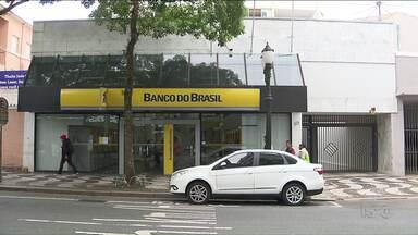 Polícia prende membros de quadrilha que desviou R$ 10 mi do Banco do Brasil - De acordo com a investigação, um ex-gerente do banco e um contador lideravam o esquema.