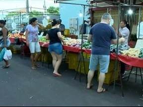 Alteração do horário de funcionamento das feiras livres começa a valer em Prudente - Por causa do horário de verão, serviços vão até as 22h.