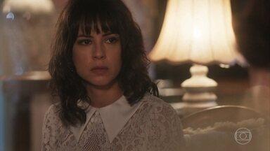 Emília confronta Lucinda sobre Inácio - Ela se preocupa com o que a sobrinha é capaz de fazer com Inácio