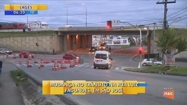 Rua Luiz Fagundes, em São José, sofre alteração no trânsito - Rua Luiz Fagundes, em São José, sofre alteração no trânsito