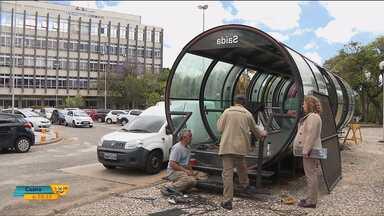 Tubo de ônibus é instalado em frente à universidade para pesquisas - Novas tecnologias devem ser testadas no local por alunos da UFPR.