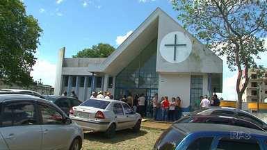 Corpo do menino de 11 anos que morreu durante assalto em Pinhão é velado na cidade - Irmão de 14 saiu do hospital e passa bem.