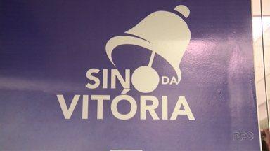 Hospital de Ponta Grossa cria 'sino da vitória' para pacientes que se curaram do câncer - Ideia surgiu de um sonho de uma funcionária do hospital.