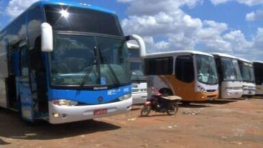 Polícia Rodoviária intensifica fiscalização a transporte de romeiros - Fiéis chegam a Juazeiro do Norte para a romaria de Finados.