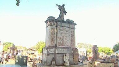 Cemitério da Saudade guarda parte da história de Ribeirão Preto, SP - Além de guardar personagens importantes, como fazendeiros de café, a cidade dos mortos tem uma riqueza cultural importante.