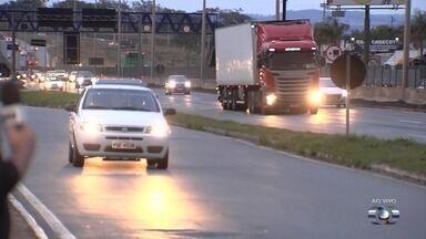 Por causa do feriado, PRF reforça patrulhamento nas estradas em Goiás - Preocupação é maior por conta do período chuvoso.
