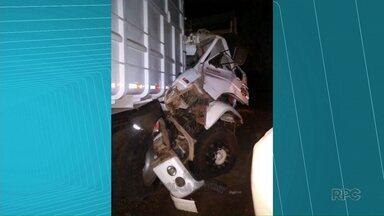 Motorista fica ferido em acidente em Boa Ventura de São Roque - Motorista de 37 anos ficou ferido depois de bater na traseira de caminhão