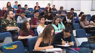 Mais de 287 mil estudantes farão as provas do Enem no Paraná - A primeira fase será domingo (5).