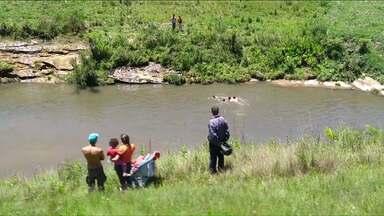 Homem morre afogado ao tentar salvar o filho - Antes de afundar, ele conseguiu salvar a criança de 8 anos