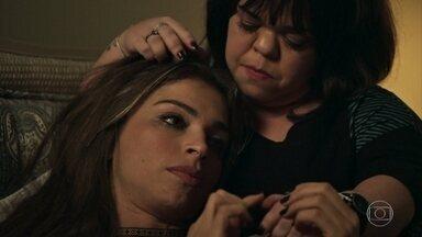 Estela incentiva Lívia a lutar por Renato - A irmã convence a filha de Sophia a batalhar pelo médico