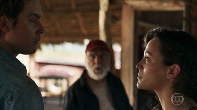 Gael é rude com Clara na frente de Josafá - Filho de Sophia sente ciúme quando a esposa diz que está com saudades do avô
