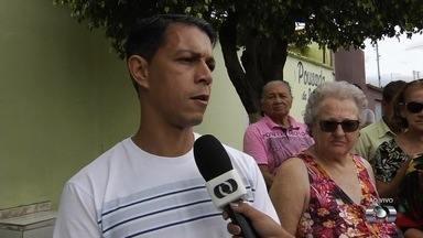 Moradores reclamam de assaltos no Setor Village Garavelo 2, em Aparecida de Goiânia - Um deles diz que soube que a casa estava sendo assaltada e pediu ajuda à PM, mas não foi atendido.