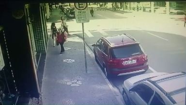 Câmeras registram acidente de moto em Ponta Grossa - O motociclista de 25 anos morreu