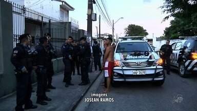 Bando é preso após tentativa de assalto no Rodolfo Teófilo, em Fortaleza - Confira mais notícias em G1.Globo.com/CE