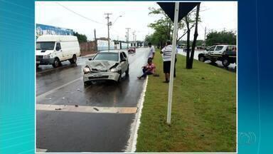 Acidentes marcam dia de chuva em Palmas - Acidentes marcam dia de chuva em Palmas
