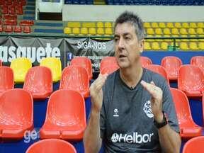 Na avaliação do elenco, Guerrinha diz que Jimmy e Tyrone podem ser mais regulares - Técnico do Mogi avaliou todos os jogadores da equipe principal após o Paulista e antes da estreia no NBB