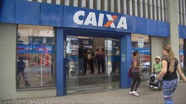 Caixa faz campanha de renegociação de dívidas - Mais de cem mil clientes em Curitiba e Região Metropolitana podem fazer o acerto de contas com desconto.
