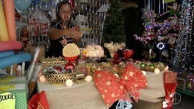 Comércios já estão se preparando para as vendas de Natal - Assista a seguir.