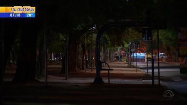 Preso no Parque da Redenção é suspeito de estupro de adolescente em Porto Alegre - Homem de 31 anos tem mais de 50 passagens pela polícia. Câmeras ajudaram a identificar o agressor e as adolescentes também o reconheceram.