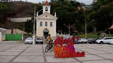 Ciclista que viaja pelo Brasil para concsientizar população passa por Nova Friburgo, no RJ - Atleta está viajando de Brasília ao Rio de Janeiro para conscientizar população sobre importância da participação popular da política.