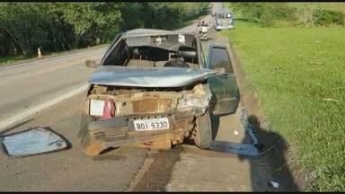 Colisão entre dois carros em um ônibus deixa uma pessoa gravemente ferida em Capivari - Acidente foi na rodovia SP 101 no sentido Campinas.