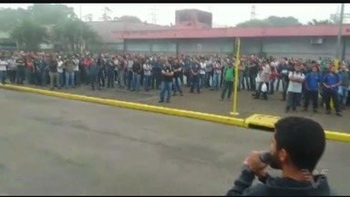 Sindicatos se reúnem para protestar contra as reformas trabalhistas - Na Baixada Santista, os sindicalistas se reuniram em Cubatão.