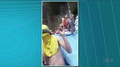Presos de Cambé postam vídeo reclamando de superlotação - Para protestar contra as condições da cadeia, eles postaram o vídeo em uma rede social.