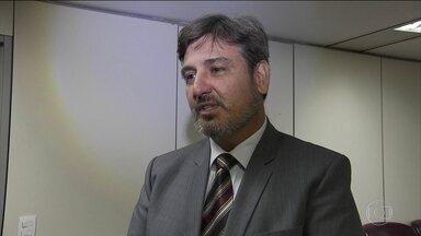 Novo diretor-geral da PF diz que corrupção no Brasil é sistêmica - Segóvia afirma que quer ampliar todas as operações, não só a Lava Jato.Pressões políticas não vão influenciar trabalho da Polícia Federal, disse.