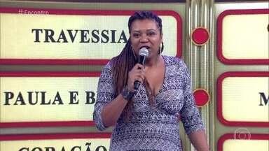 Editora do 'Encontro' canta para Milton Nascimento - Denise é fã do cantor e homenageia seu ídolo com a música 'Nos Bailes da Vida'