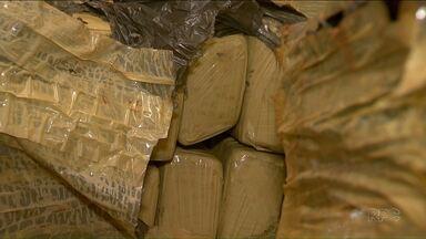 Quase quatro toneladas de maconha foram apreendidas no Oeste do estado. - Uma das apreensão foi em Céu Azul a outra foi em Marechal Cândido Rondon.