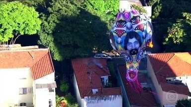Globocop flagra mais de dez balões nas Zonas Norte e Oeste do Rio de Janeiro - Em São Paulo, os flagrantes do Globocop foram no céu de Guarulhos, rota de aviões que chegam ao Aeroporto Intenacional de Cumbica. A torre de controle alertou os pilotos que se preparavam para pousar.