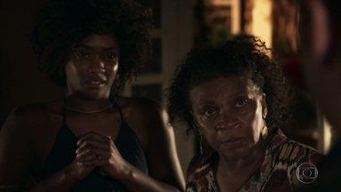 Mãe do quilombo questiona Bruno - Líder e conselheira da comunidade pergunta ao namorado de Raquel como ele pretende sustentar uma família