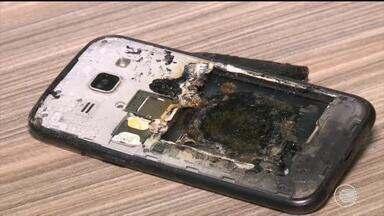 Especialistas chamam a atenção para cuidados ao usar o celular durante carregamento - Especialistas chamam a atenção para cuidados ao usar o celular durante carregamento