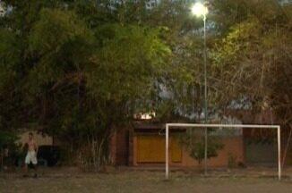 Moradores do Parque Piauí ganham iluminação em campo, mas ainda esperam mais melhorias - Moradores do Parque Piauí ganham iluminação em campo, mas ainda esperam mais melhorias