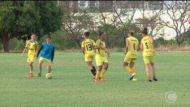 Meninas do Tiradentes esperam ansiosas para estrear com clássico na Copa Piauí - Meninas do Tiradentes esperam ansiosas para estrear com clássico na Copa Piauí