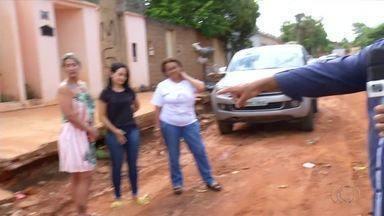 Obra na 1.003 Sul incomoda moradores que não conseguem entrar com o carro em casa - Obra na 1.003 Sul incomoda moradores que não conseguem entrar com o carro em casa