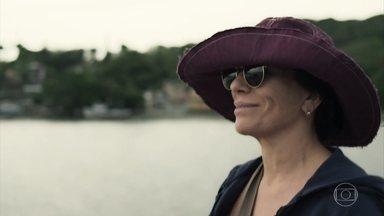 Duda sai para passear com Tenório - Ela fica impressionada ao ver um hospício isolado em uma ilha